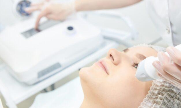 Jak pozbyć się fałdów nosowo-wargowych?