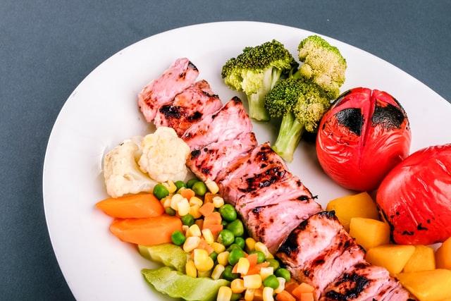 Co należy wiedzieć o diecie pudełkowej Eat Fit Catering?
